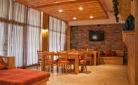 chalet_Bizzet_open_plan_seating-dining_area[1]